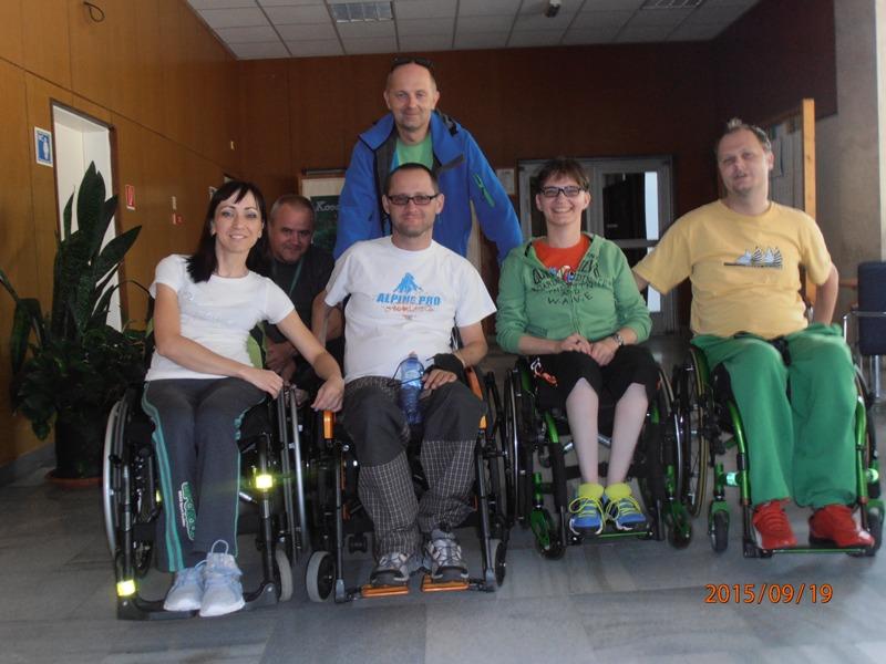 69eeba8539db3 Keďže som už poznala veľa ľudína vozíku tak mi pomohli, vlastne jeden kamoš.Bol  a stále je moja psychická podpora.